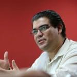 Animador Héctor Palacios. Foto / Salvador Sagastizado