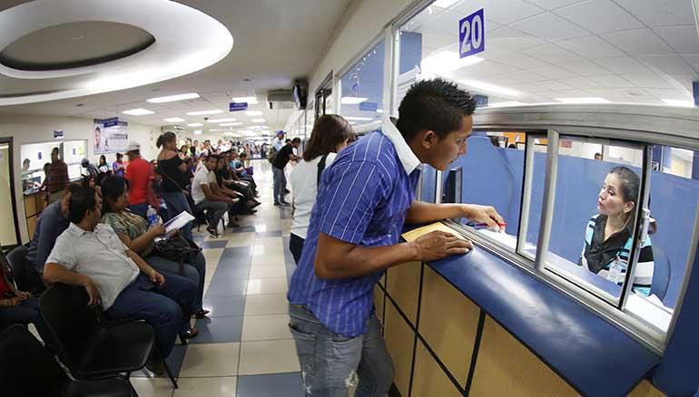 Oficinas administrativas y consultorios del isss estar n for Oficina seguridad social mostoles