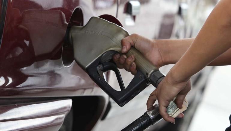Combustibles bajarán hasta en $0.06 en la próxima quincena