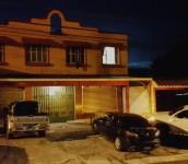 Foto D1: Salvador Sagastizado. Fachada de los apartamentos. La habitación donde se dio el crimen tiene la luz encendida.