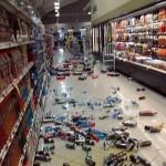 Supermercado en San Miguel tras el sismo. Foto tomada de @WILLSALGADO