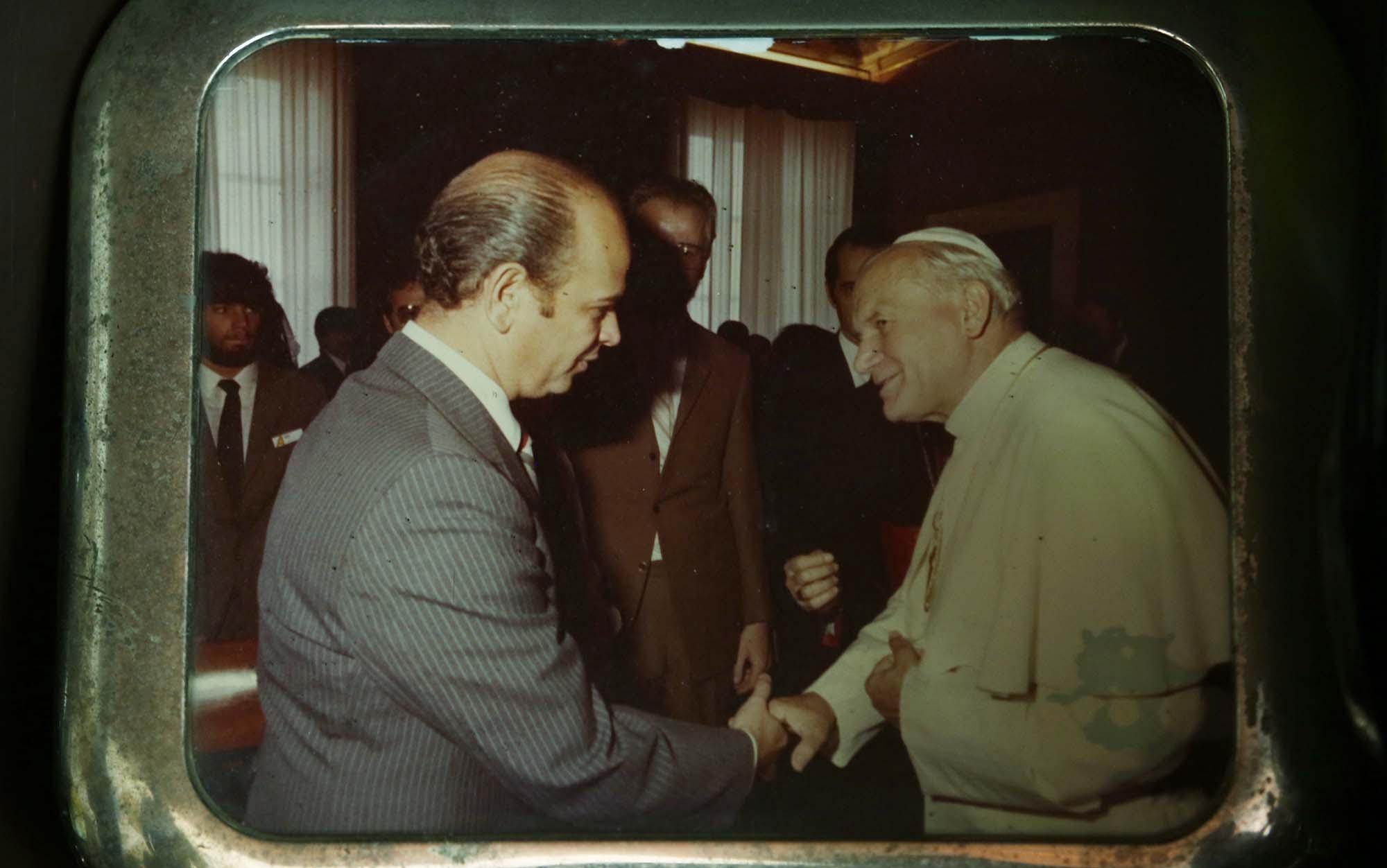 Morales Erlich saludando al Papa Juan Pablo II. Foto D1 /Nelson Dueñas.