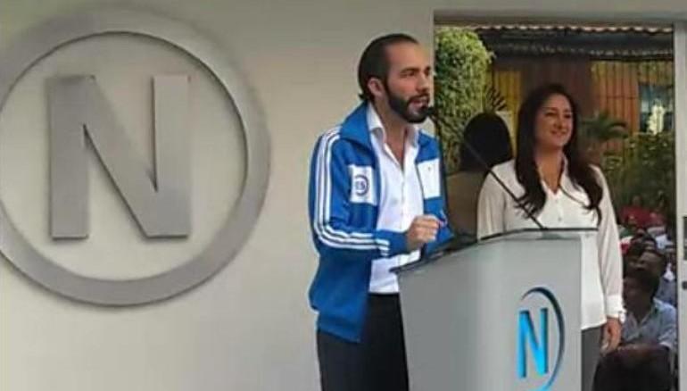 El candidato FMLN, Nayib Bukele, dejó la alcaldía en Nuevo Cuscatlán para competir por la comuna capitalina.