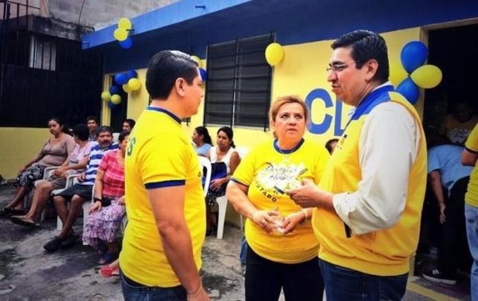 El diputado Douglas Avilés durante la pasada campaña electoral. Foto D1, archivo.