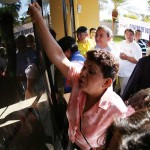 Votantes molestos reclaman abrir centro de votación en CIFCO. Foto D1: Nelson Dueñas