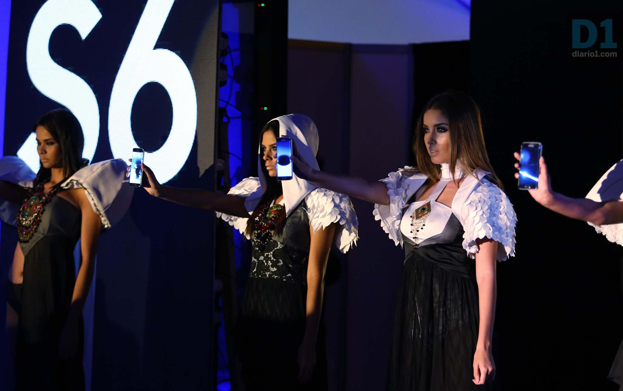 Modelos presentan el nuevo S6 y S6 EDGE. Foto D1: Nelson Dueñas