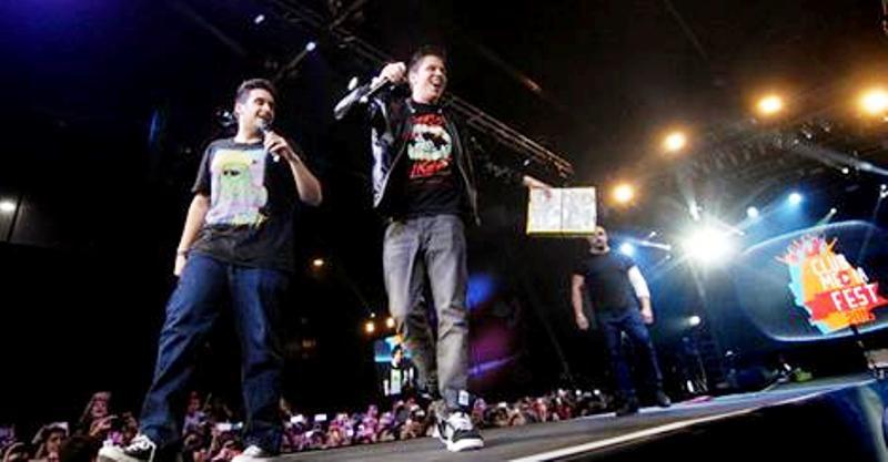 image Buenos culos adolescentes en festival de música