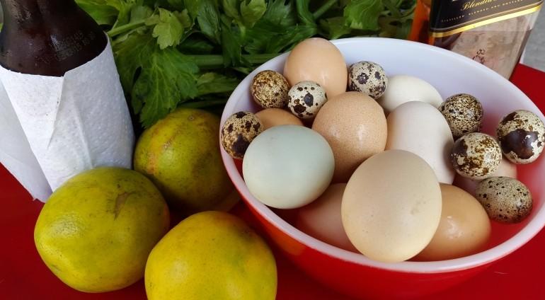 Algunos de los ingredientes que se utilizan para hacer los jugos. Foto D1, Salvador Sagastizado.