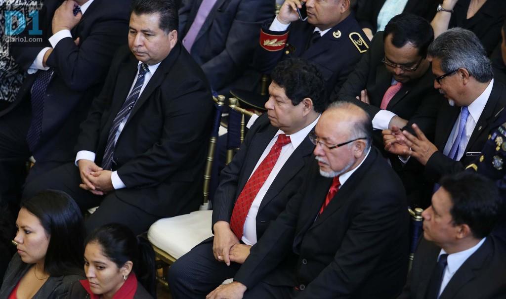 El ministro de Justicia  y Seguridad, Benito Lara, entre algunos de los titulares de ministerios que acudieron al Legislativo. Foto D1: Nelson Dueñas