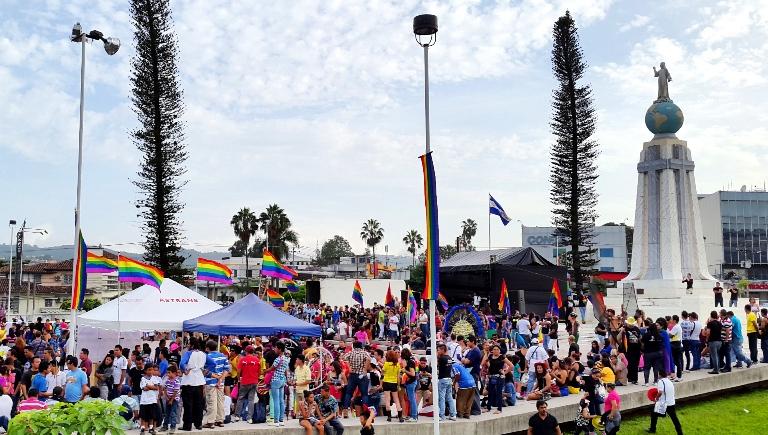 Desfile de moda trans en valencia sex festival - 5 3