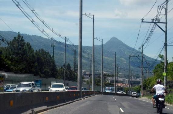 postes carretera al puerto