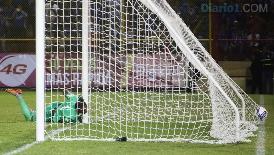 8-9-2015: Eliminatorias Copa Mundo Rusia 2018: El Salvador 1 Curazao 0. ESA-vs-Curacaco-08092015_26-960x546