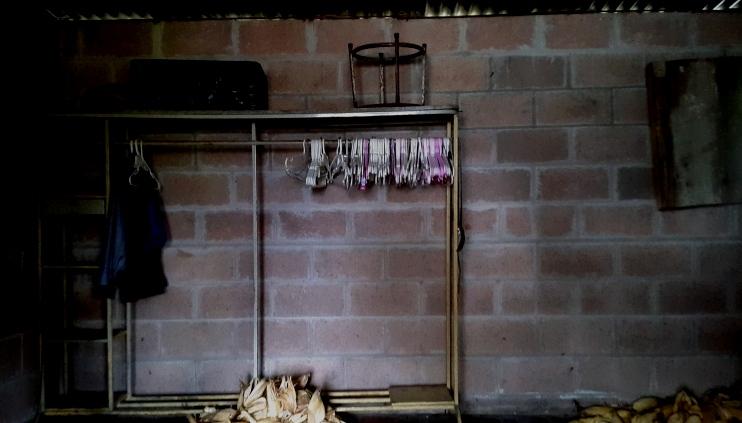 Foto D1. Habitación desolada del niño David.