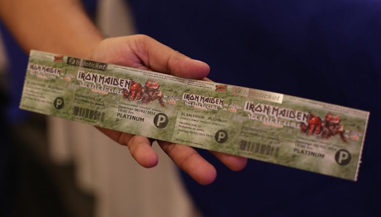 Así es el nuevo boleto para el concierto de Iron Maiden. Foto D1/Rodrigo Sura