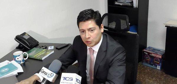 Jaime Campos: viajes privados de funcionarios no deben ser ...