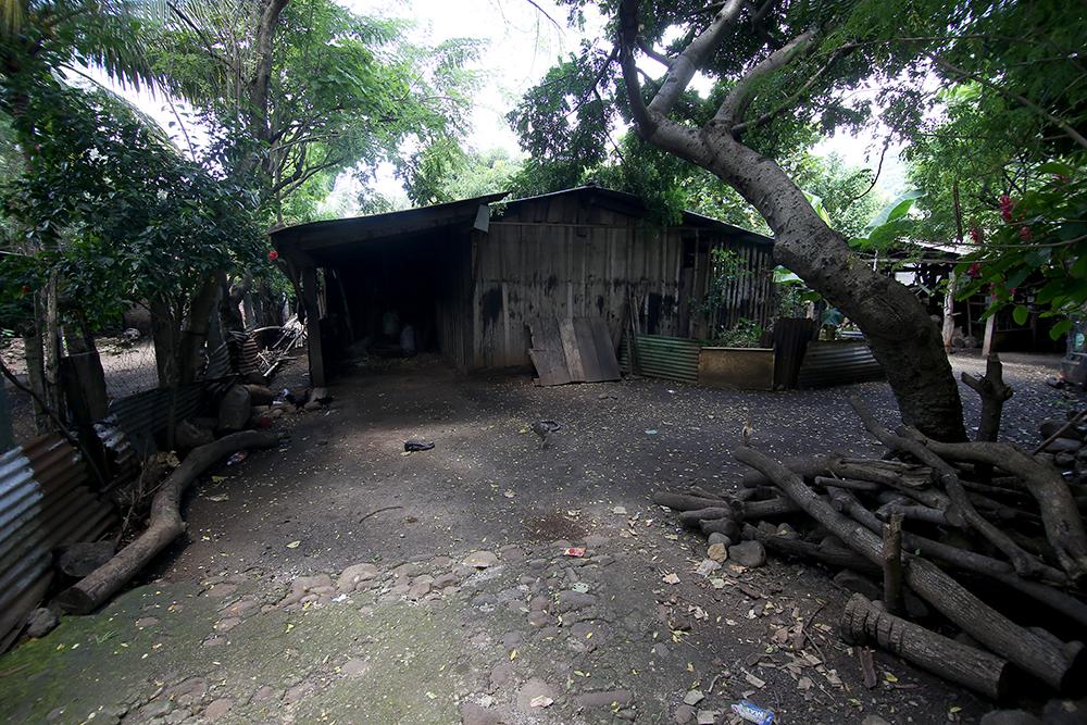 Casa abandonada en Cantón Los Castaños, Caluco.