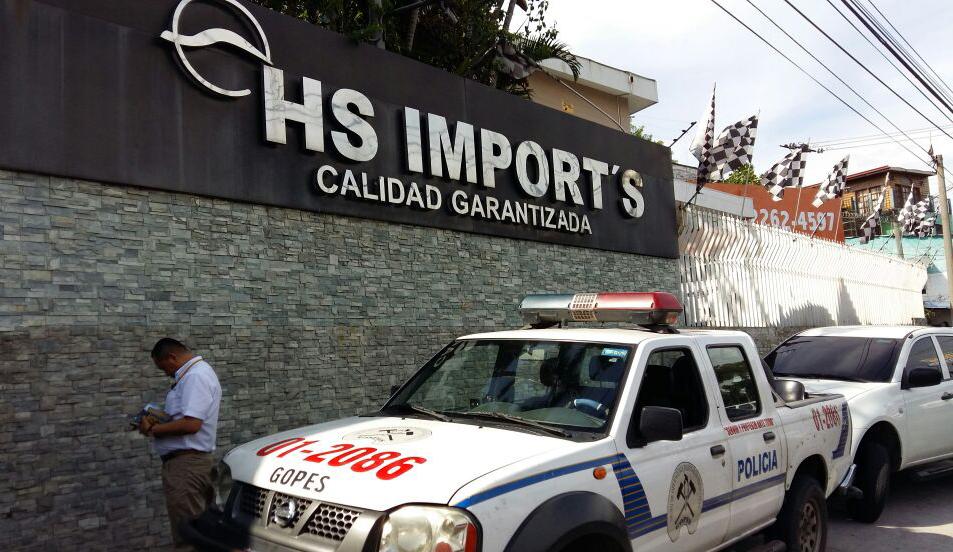 Autolote HS, Propiedad de Herbert Saca. Está ubicado en el Boulevard Constitución #716 San Salvador FOTO D1, Archivo.