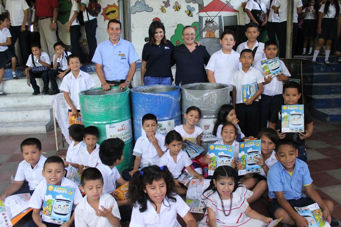 Programa de reciclaje en centros escolares de soyapango for Carteleras escolares de reciclaje