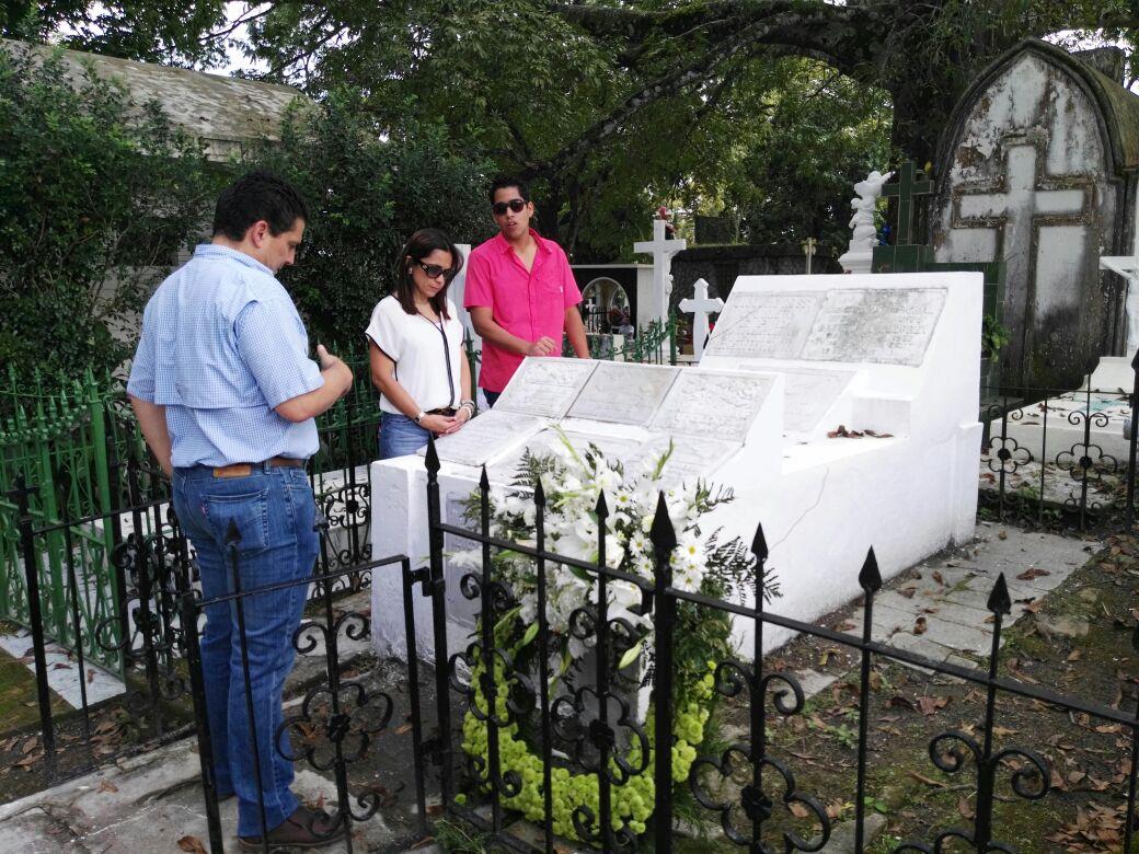 Inauguran jard n memorial para v ctimas del terremoto de for Cementerio jardin memorial
