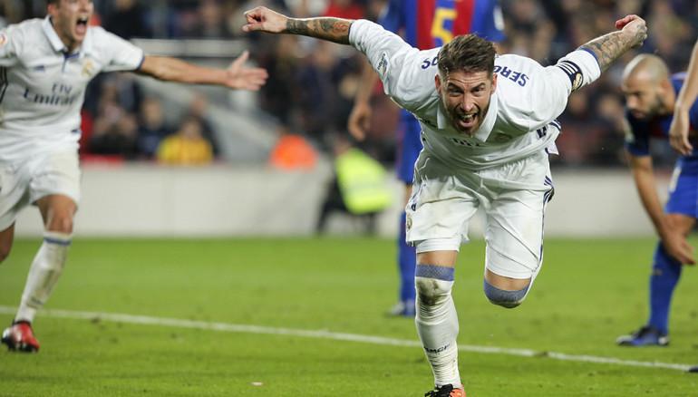 Sergio Ramos celebra el gol del empate ante el Barcelona. Foto D1/AFP