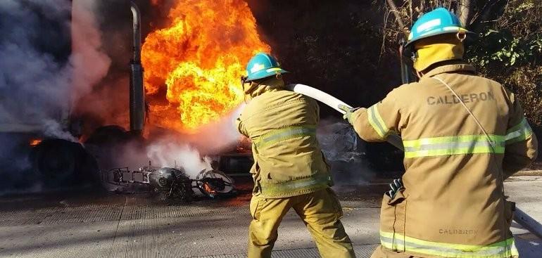 Fotos Dos Muertos En Mltiple Accidente Carretera Hacia Metapn