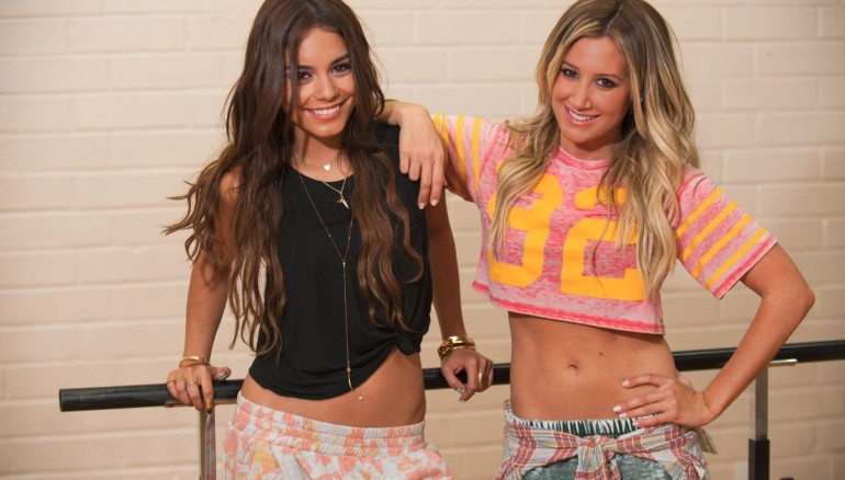 Vanessa-Hudgens-Ashley-Tisdale