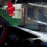 Foto D1. Salvador Sagastizado. Impactos de bala, desde el interior del vehículo donde se conducían los pandilleros