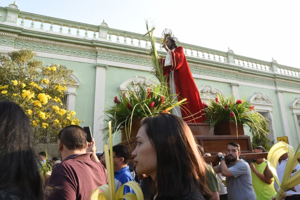 Procesión en Santa Tecla