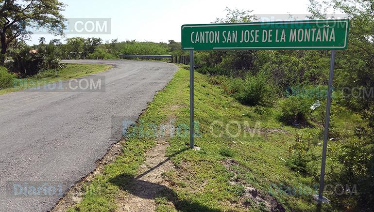 Foto D1. Salvador Sagastizado. Entrada al cantón San José de la Montaña