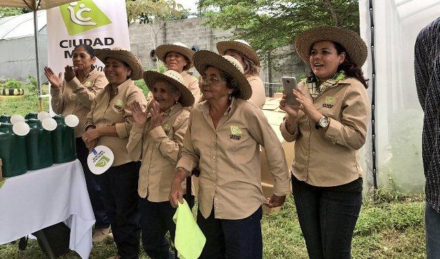 donativo bukele Ciudad Mujer