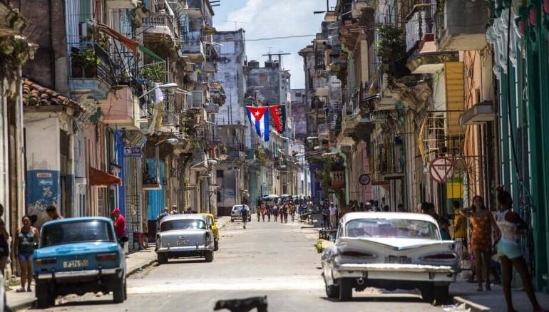 Cuba inicia racionamiento de productos básicos