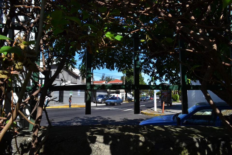 Napoleón Romero, mejor conocido como Miguel Castellanos, fue miembro de la comisión política de las FPL y fue asesinado en la intersección de la 43 avenida sur y la 6a. 10a. Calle, después de salir de su oficina en la colonia Flor Blanca. Foto: D1/Miguel Lemus