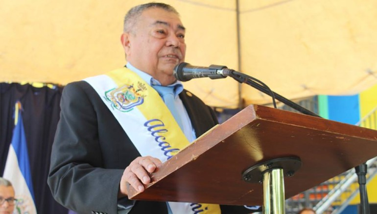 Guillermo González, alcalde de Colón.