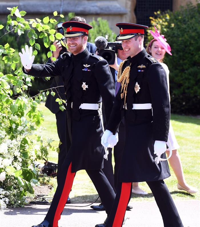 Los príncipes de Inglaterra, Enrique y Guillermo (izquierda y derecha). Foto: EFE.