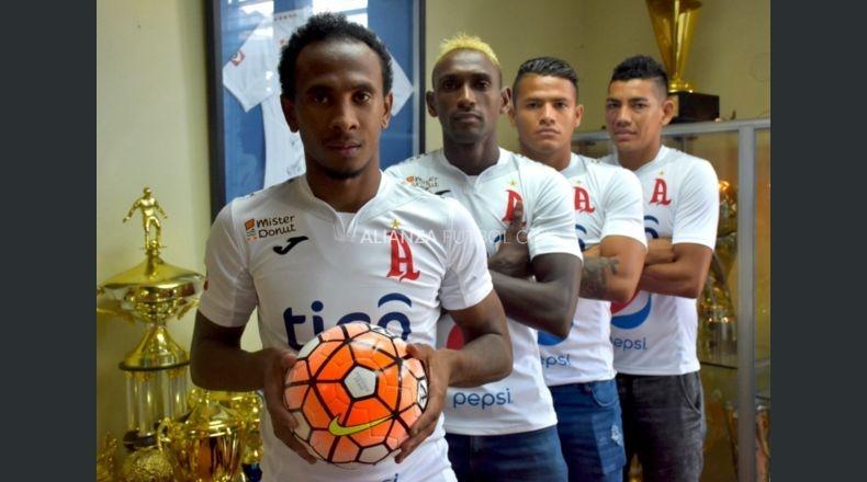 "Bladimir Díaz, Daley Mena, ""El Puma"" Peña, Marlon Cornejo. Foto Alianza F.C."