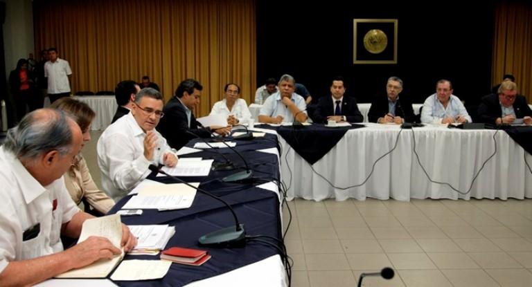 Foto archivo. Mauricio Funes con su Consejo de Ministros.