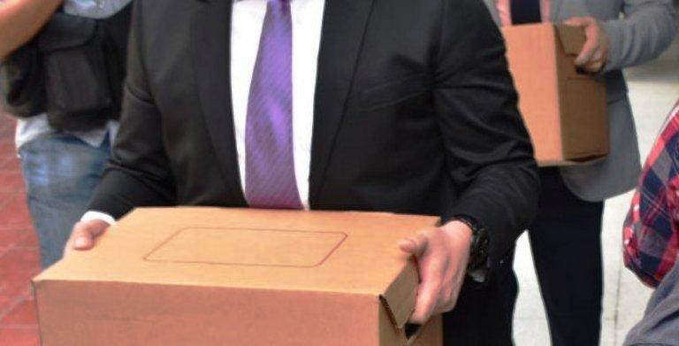 Fiscales llevaron cajas al Juzgado Cuarto de Instrucción de San Salvador.