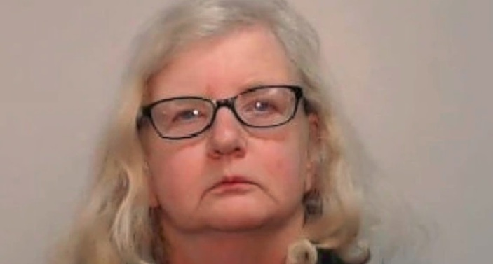 Mujer ocultó por 12 años que mató a su padre