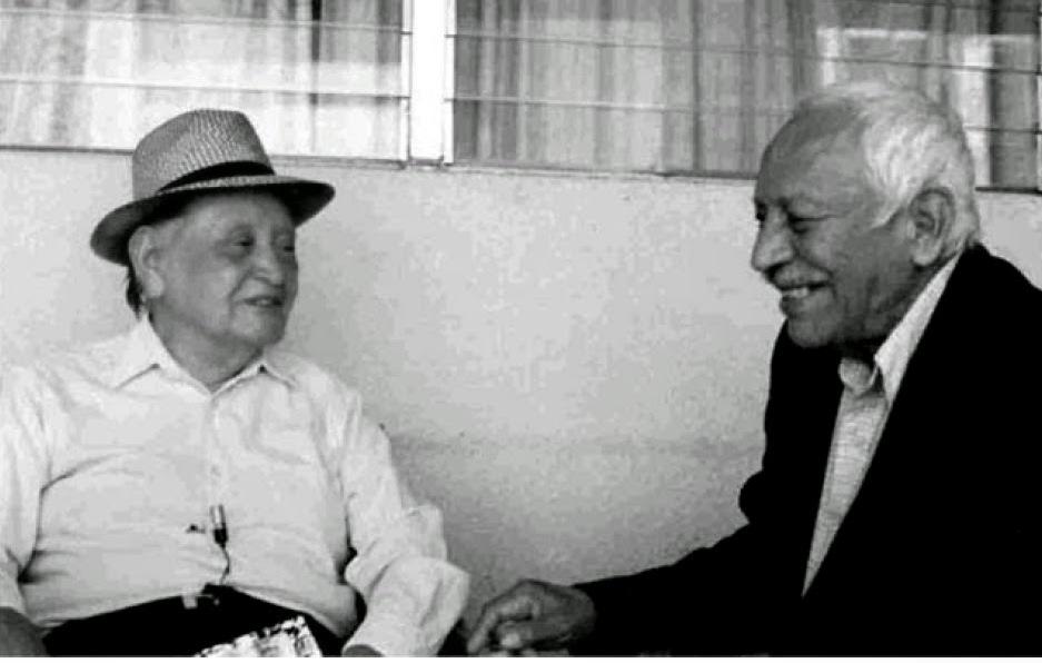 Miguel Mármol (izquierda) con Antonio Obando Sánchez en El Salvador. Foto: Arturo Albizures.