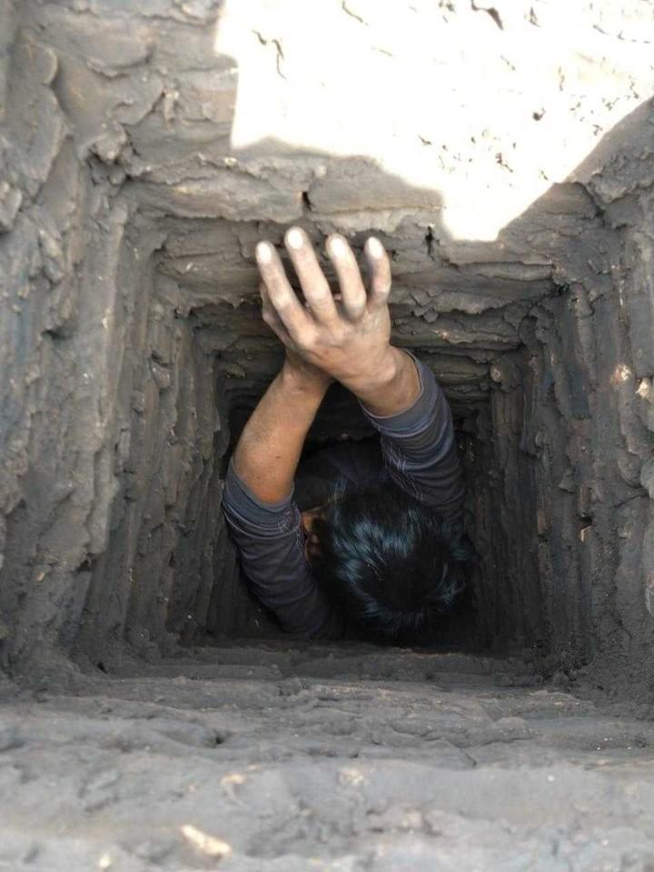 El hombre intentó escapar por la chimenea, pero quedó atrapado. Foto de TN.