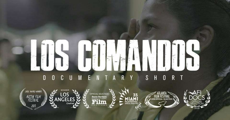 """Póster oficial de """"Los comandos""""."""