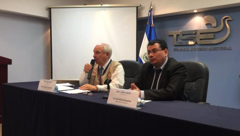 Foto @TSEElSalvador