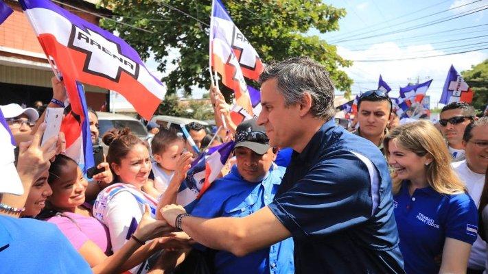 Oficialismo y oposición cierran campaña electoral en El Salvador