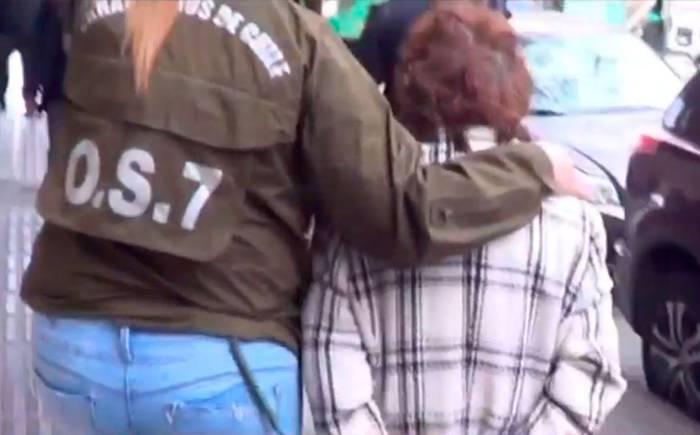 Abuela quema con cuchillo caliente a sus nietos por robarle 20 pesos