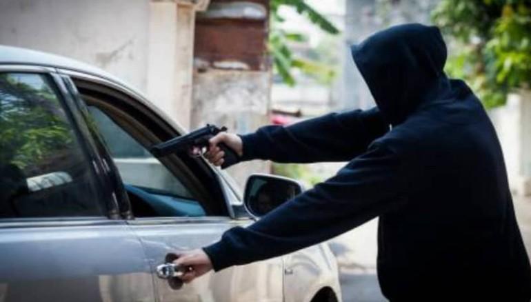 ladrón vehículo