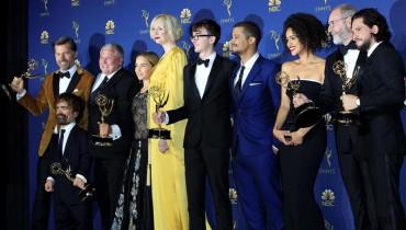 Elenco de la serie Game of Thrones en la pasada entrega de los Emmy. Foto: EFE.