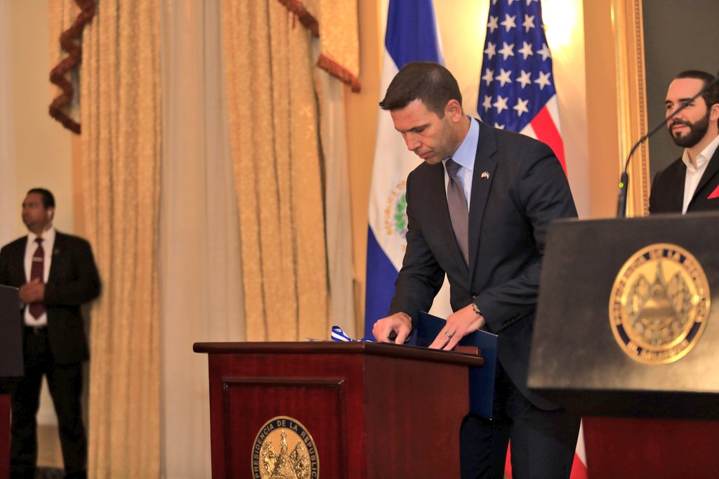 Secretario de EEUU viaja a El Salvador para tratar cooperación migratoria