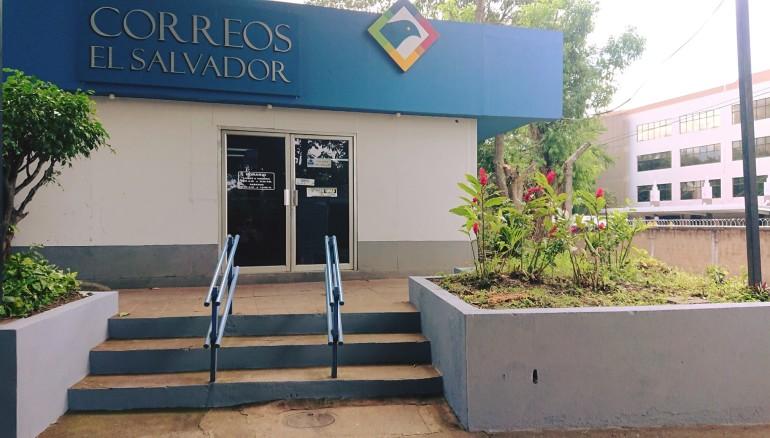 Imagen tomada del Facebook de Correos de El Salvador