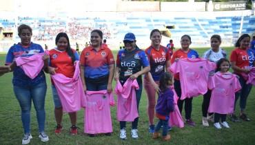 FAS se unió a la lucha contra el cáncer de mama el fin de semana pasado. /C.D. FAS