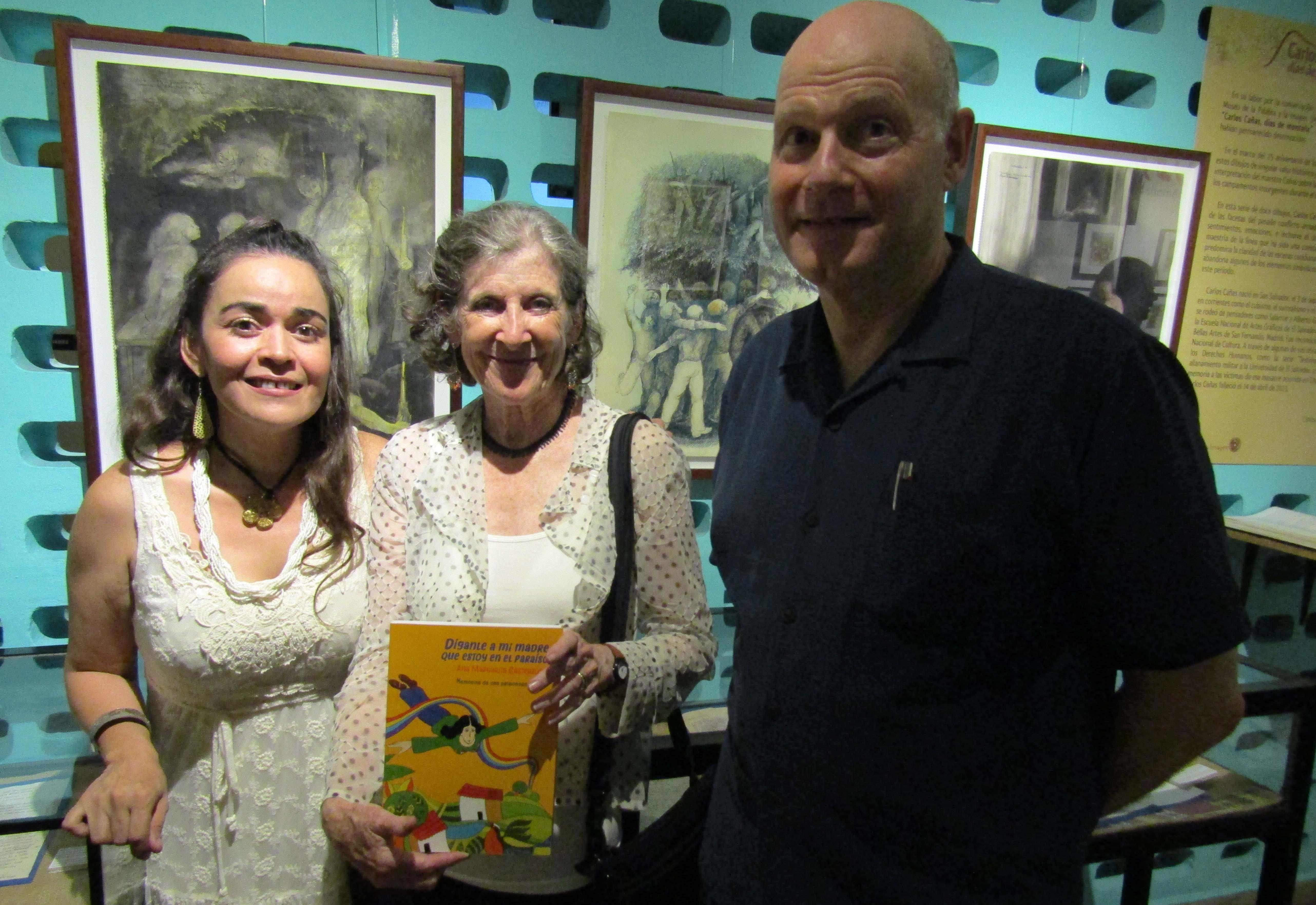 Tania Primavera junto a Judy Blankenship y Andrew Wilson